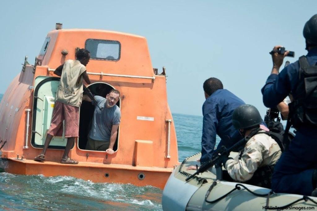 Il capitano Phillisp di Tom Hanks in trappola nella scialuppa dei pirati