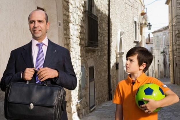 Checco Zalone e Robert Dancs padre e figlio in Sole a catinelle