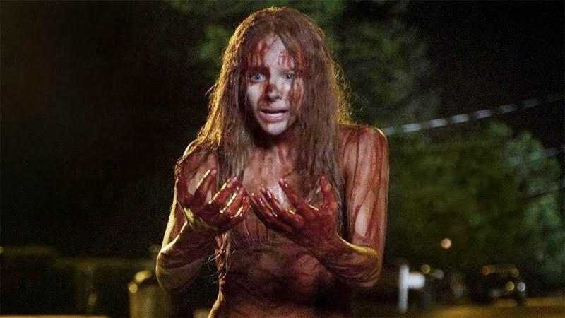 Carrie, esasperata dalle angherie dei suoi compagni, si prepara a compiere la sua efferata vendetta