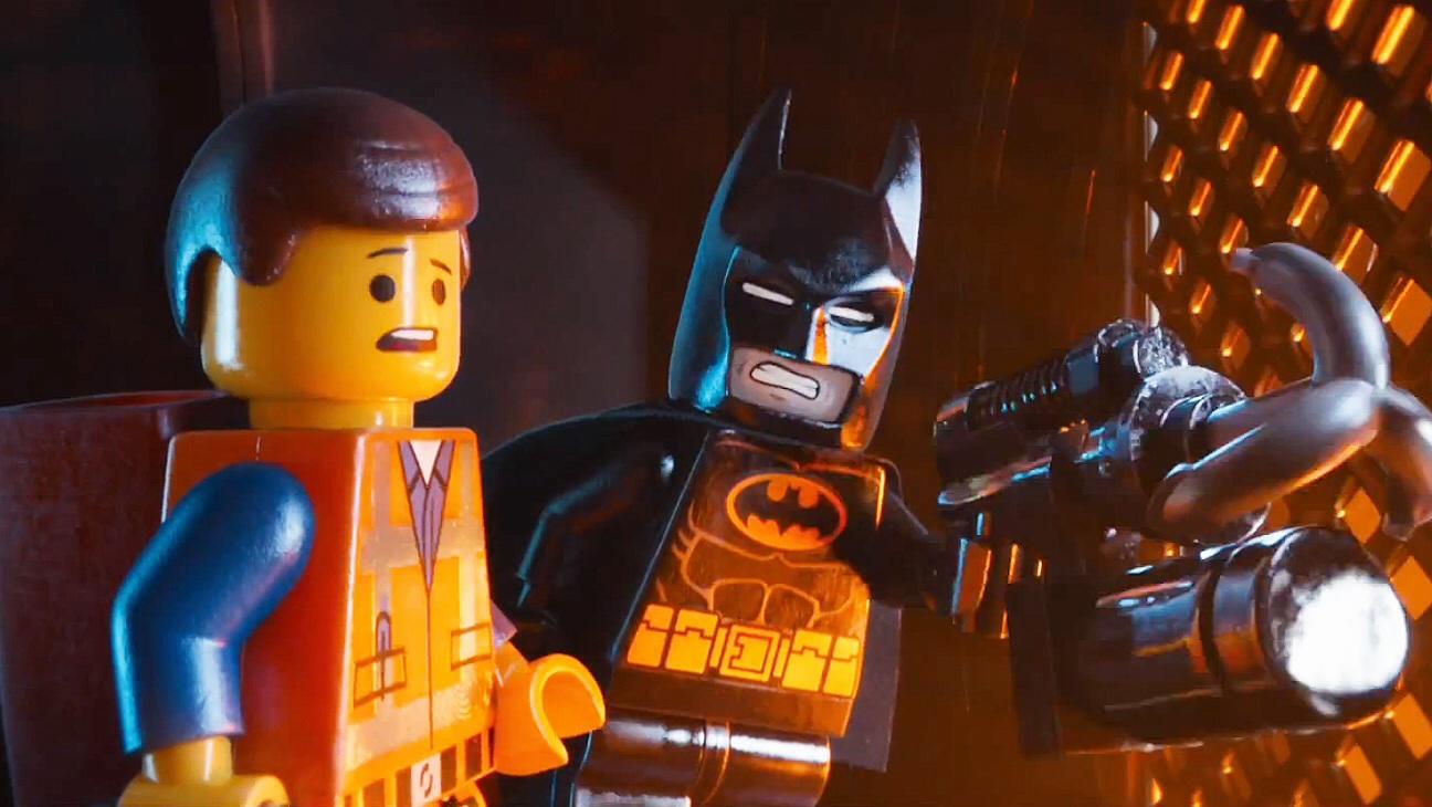 Emmet e Batman si preparano a entrare in azione contro Lord Business!