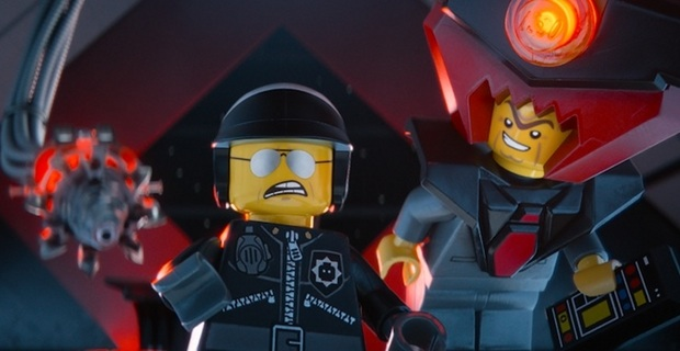 Lord Business e Poliduro hanno intenzione di torturare Emmet!