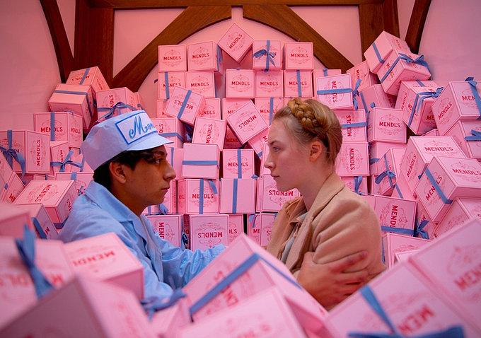 Zero (Tony Revolori), in grave pericolo, e il suo grande amore Agatha (Saoirse Ronan) s'incontrano di nascosto.