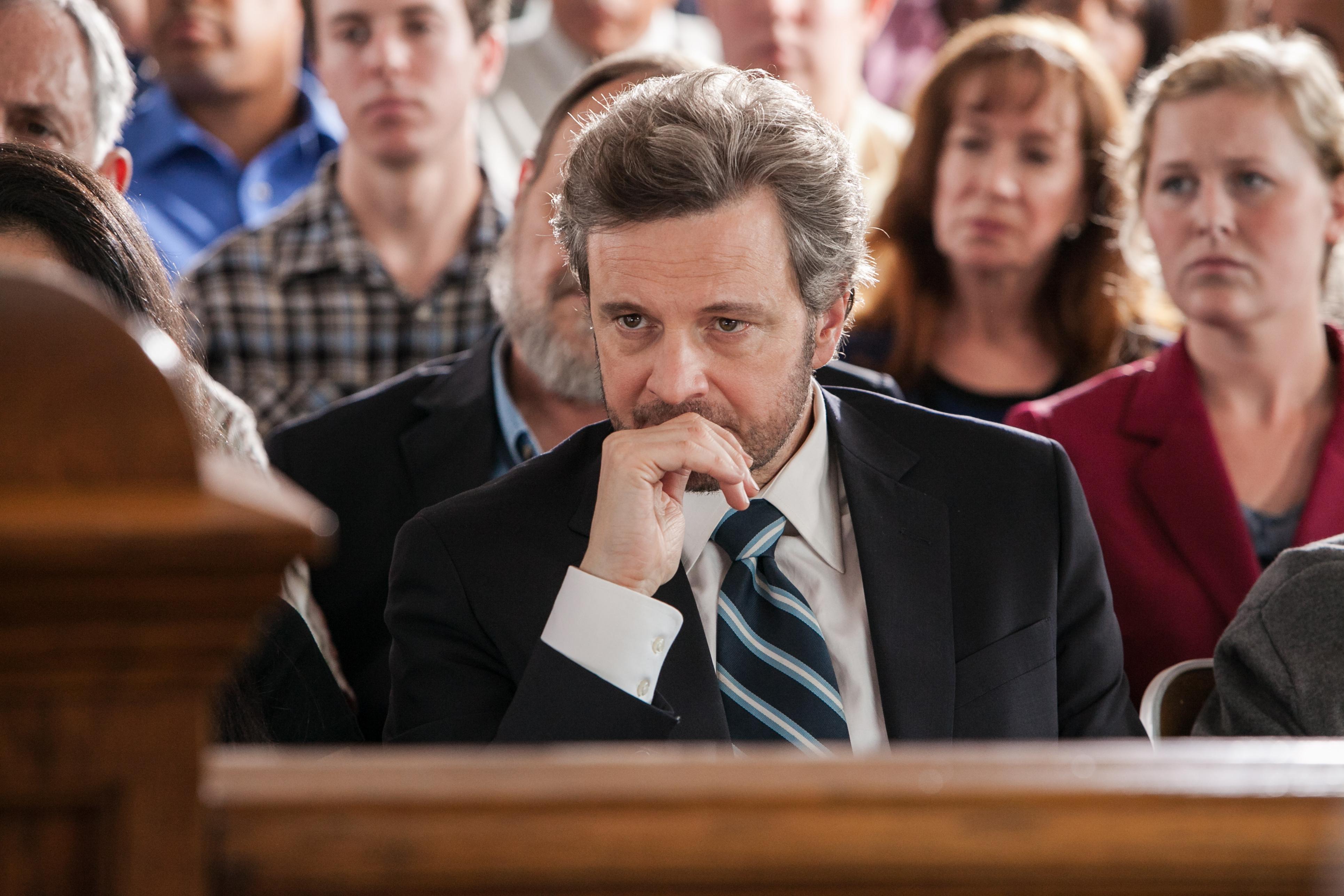 Il detective Ron Lax (Colin Firth) segue in tribunale il processo a I Tre di West Memphis.